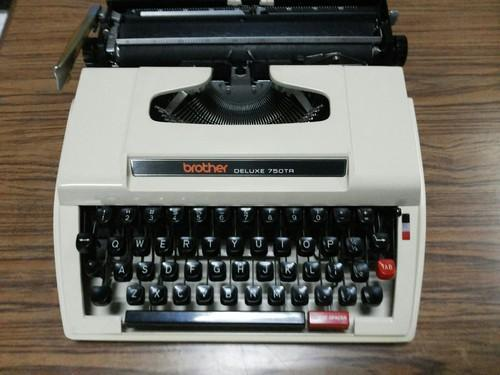 ivory brother portable tr 750 manual typewriter rs 7500 unit id rh indiamart com brother typewriter manual-10 brother typewriter manual ml 300