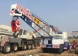 90 Ton Truck Mounted Lattice Boom Crane Rental Service