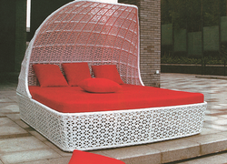 Flowery Style Wicker Day Bed