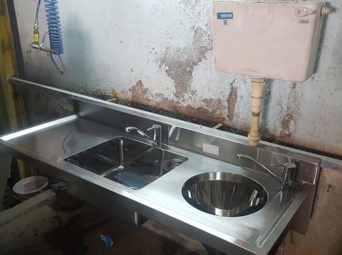 Hospital Sluice Sink Slop Hooper