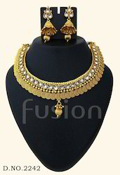 Traditional American Diamond Antique Necklace Set