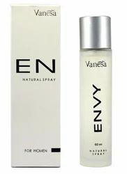 Vanesa Envy Spray Photography