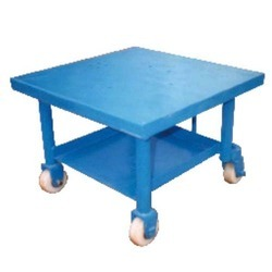 Movable Stainless Steel Blue Mobile Work Table Trolley, Loading Capacity : 150-200 kg