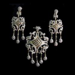 Charming Jewellery Set
