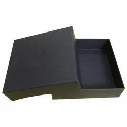 Kraft Paper Black Garment Packaging Box, for Apparel, Box Capacity: 1-5 Kg
