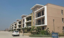 Omaxe 3 BHK Residential Flats, Size/ Area: 1725 Sqft