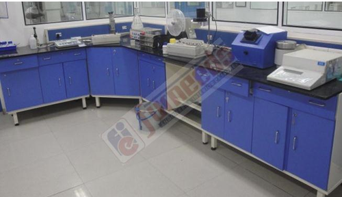 Stainless Steel Rectangular Laboratory Furniture, Capacity: 250-300 Kg