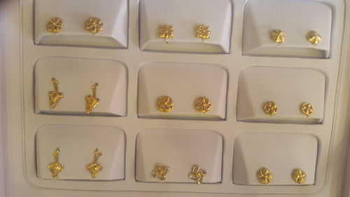 e73349090 Gold Tops - View Specifications & Details of Gold Earrings by Bittoo ...