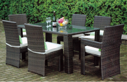 Close Knit Style Outdoor Wicker Dining Table Set