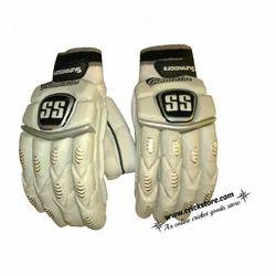 Strap Polyurethane SS Gladiator Cricket Batting Gloves, For Sports, Size: 6 x 6 x 3 Inch