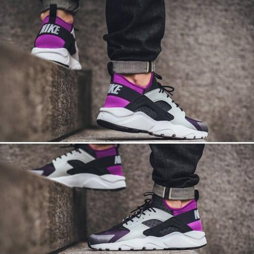 Nike Hurache Shoes, Size: 7, 8, 9, 10