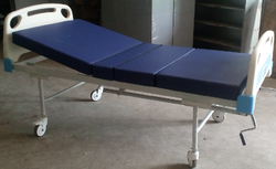 Fowler Cot, Size: 6 X 3 Feet