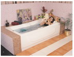 Ceaser Bathtub