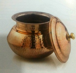 Brown Hammered Copper Deg for Biryani Or Dal, Size: 14
