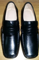 Brown Black Trumuk Formal Shoe, Size: 5-12