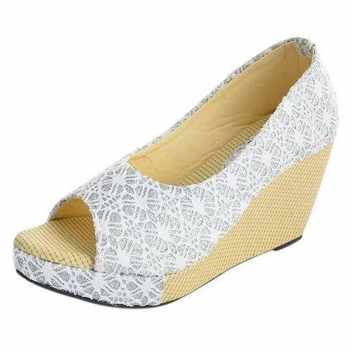 c3f034aa0 Ladies Footwear at Rs 230  piece