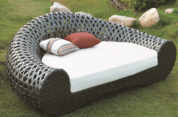 Sofa Style Wicker Day Bed