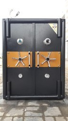 Single Door Fireproof Jewellery Safe, For jewellers Showroom & home
