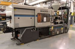 Cincinnati Milacron Injection Machine