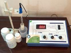 Lab pH Meter