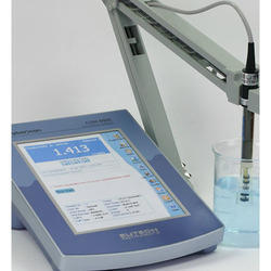 Bench Meters -EUTECH Conductivity Meter