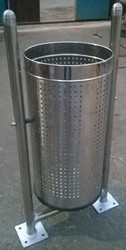 Steel Stand Dustbins